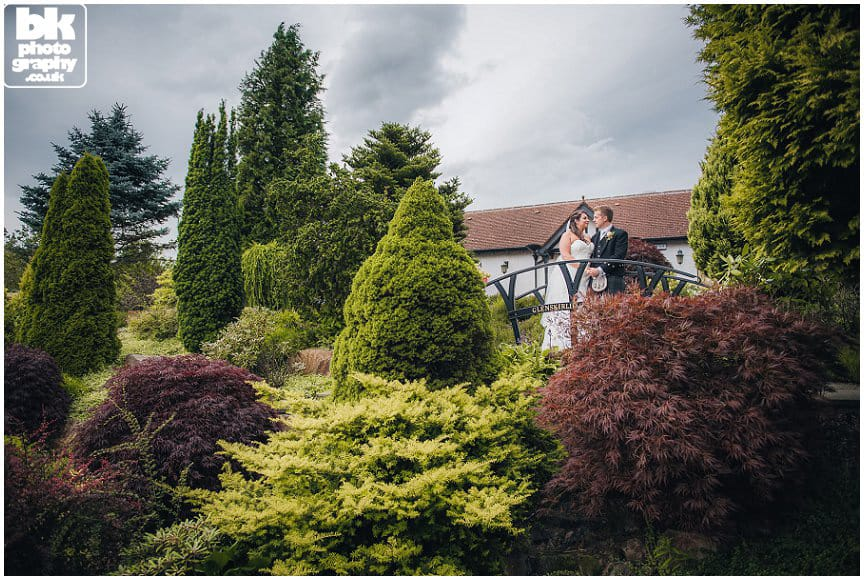 Glenskirlie-House-&-Castle-Wedding-Photographer-030