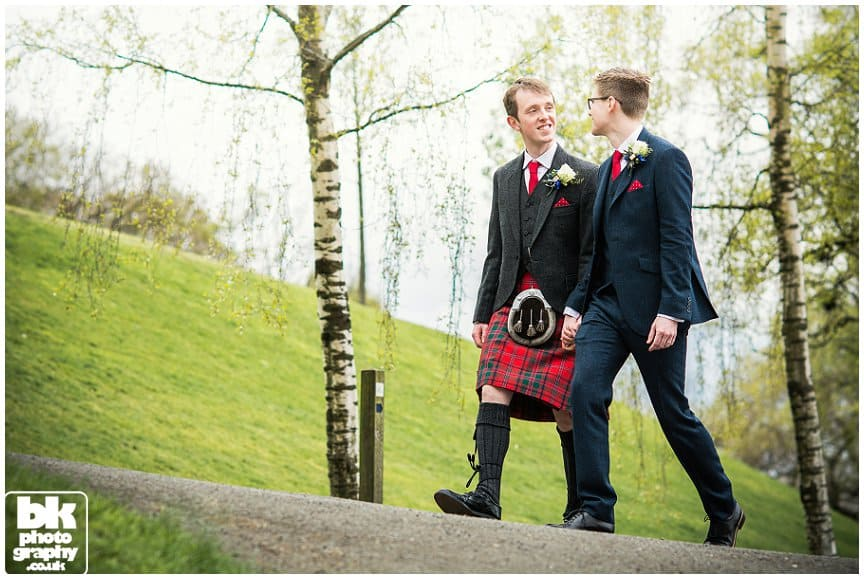 Natural Scottish Wedding Photographers-002