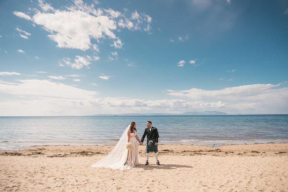 savoy-park-hotel-wedding-photographer-014